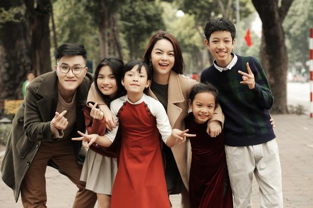 Phạm Quỳnh Anh lặn lội khắp 2 miền Nam Bắc để quay MV Tết, lần đầu mang bé Tuệ Lâm cùng chung vui với dàn thí sinh The Voice Kids! - Ảnh 4.