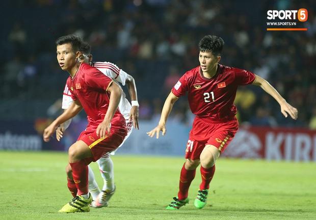 Dù chưa thắng sau 2 lượt trận, U23 Việt Nam vẫn giữ thành tích cực tốt ở hàng thủ, khiến Nhật Bản và Hàn Quốc cũng phải chạy dài - Ảnh 2.