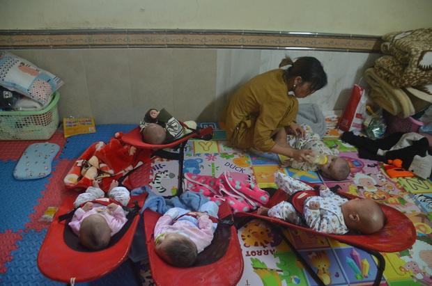 Cuộc sống của 56 đứa trẻ bị bỏ rơi, được vị trụ trì <a href=