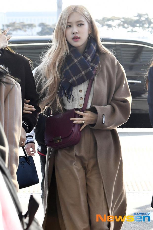 Dàn mỹ nhân Hàn đại chiến visual ở sân bay: Lisa - Rosé (BLACKPINK) xinh muốn ngất, Hani lép vế trước Hyuna và Hyomin - Ảnh 4.