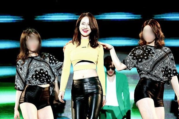 Cộng đồng mạng nghĩ gì nếu Song Ji Hyo ăn vận như một idol thứ thiệt? - Ảnh 1.