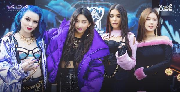 Phía sau sự thành công của MV Pop/Stars 300 triệu view là 4 mỹ nhân rạng ngời tuyệt đỉnh - Ảnh 2.
