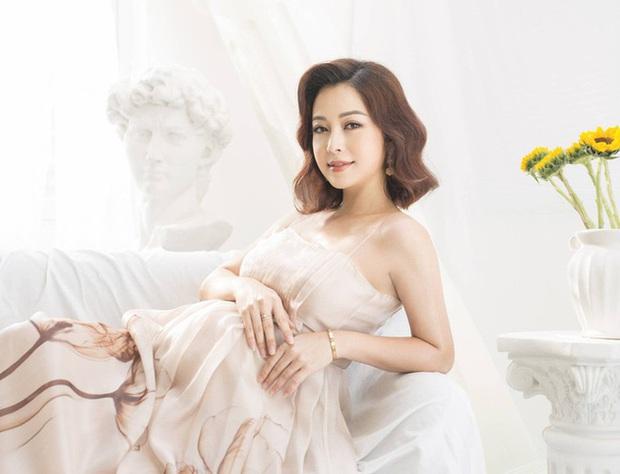 Jennifer Phạm hạ sinh bé thứ 4 ở tuổi 34, được mẹ chồng cưng như trứng mỏng bay từ Hà Nội vào TP.HCM chăm đẻ - Ảnh 2.