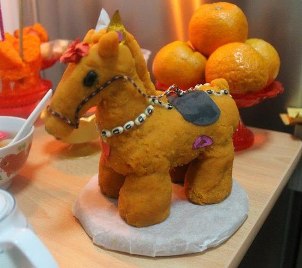 Táo Quân: Vị thần được người Trung Quốc tôn sùng và những nét riêng biệt trong lễ cúng tiễn ông cưỡi ngựa về trời mỗi 23 tháng Chạp hàng năm - Ảnh 4.