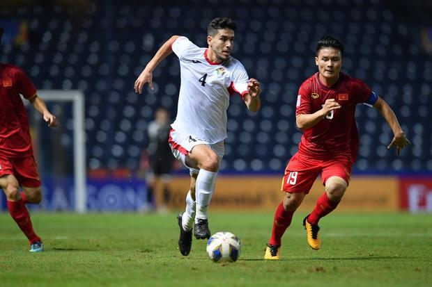 Tại sao HLV Park Hang-seo vội vàng tung Đình Trọng vào sân sớm trong cuộc đấu với U23 Jordan? - Ảnh 2.