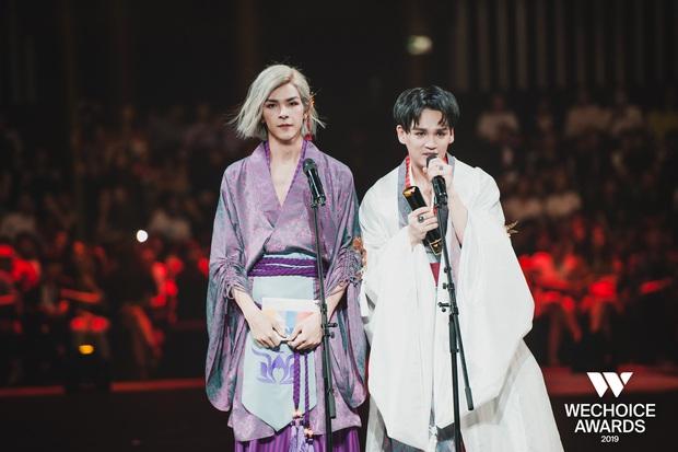 Loạt khoảnh khắc không đẹp không tính tiền của Denis Đặng tại WeChoice Awards 2019 - Ảnh 6.