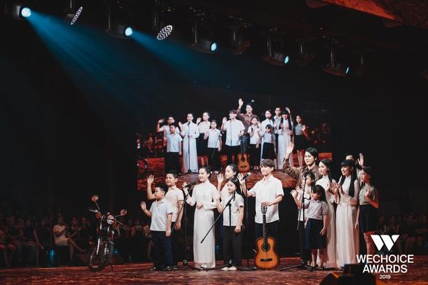 WeChoice Awards 2019: vượt quá khuôn khổ của một lễ trao giải, các tiết mục trình diễn đều là những sân khấu âm nhạc trong mơ! - Ảnh 5.