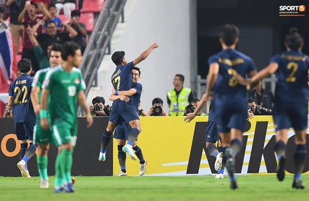 Xuất sắc cầm hòa Iraq, đội tuyển Thái Lan lần đầu tiên trong lịch sử vượt qua vòng bảng giải U23 châu Á - Ảnh 16.