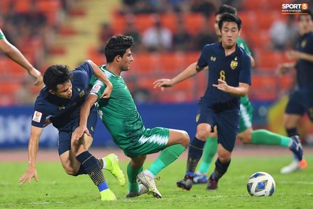 Xuất sắc cầm hòa Iraq, đội tuyển Thái Lan lần đầu tiên trong lịch sử vượt qua vòng bảng giải U23 châu Á - Ảnh 6.