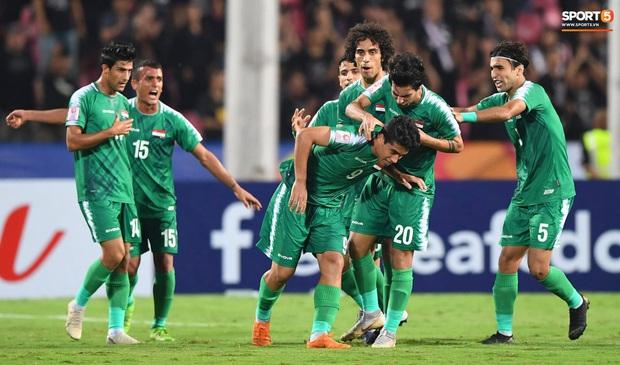 Xuất sắc cầm hòa Iraq, đội tuyển Thái Lan lần đầu tiên trong lịch sử vượt qua vòng bảng giải U23 châu Á - Ảnh 8.