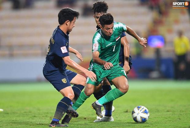 Xuất sắc cầm hòa Iraq, đội tuyển Thái Lan lần đầu tiên trong lịch sử vượt qua vòng bảng giải U23 châu Á - Ảnh 7.