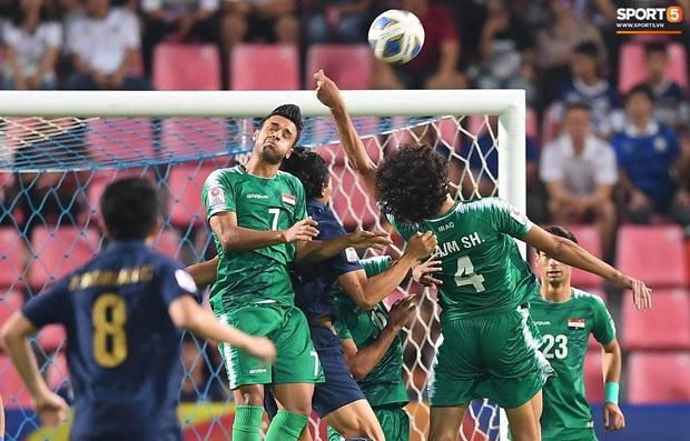 Xuất sắc cầm hòa Iraq, đội tuyển Thái Lan lần đầu tiên trong lịch sử vượt qua vòng bảng giải U23 châu Á - Ảnh 18.