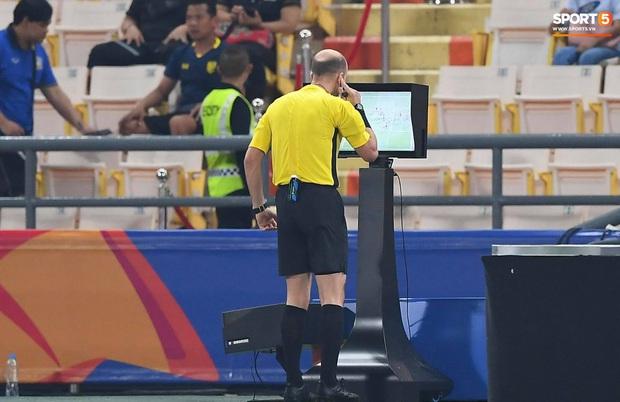 Xuất sắc cầm hòa Iraq, đội tuyển Thái Lan lần đầu tiên trong lịch sử vượt qua vòng bảng giải U23 châu Á - Ảnh 17.