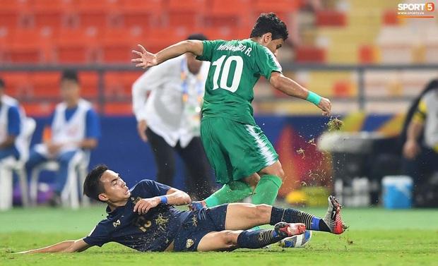 Xuất sắc cầm hòa Iraq, đội tuyển Thái Lan lần đầu tiên trong lịch sử vượt qua vòng bảng giải U23 châu Á - Ảnh 1.