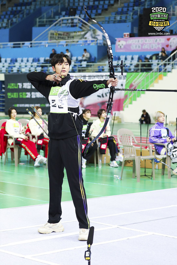 Vắng Tzuyu (TWICE), mỹ nam SF9 khiến fan điên đảo khi kế thừa ngôi Vị thần bắn cung tại đại hội thể thao Idol - Ảnh 3.
