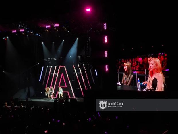 ĐỘC QUYỀN: Lisa ôm đầu sốc khi xem fan nhảy cover quá chất tại fanmeeting đầu tiên của BLACKPINK trong năm 2020 - Ảnh 21.