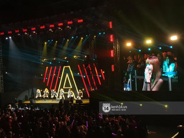 ĐỘC QUYỀN: Lisa ôm đầu sốc khi xem fan nhảy cover quá chất tại fanmeeting đầu tiên của BLACKPINK trong năm 2020 - Ảnh 23.