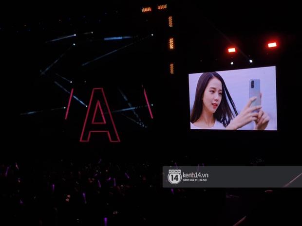 ĐỘC QUYỀN: Lisa ôm đầu sốc khi xem fan nhảy cover quá chất tại fanmeeting đầu tiên của BLACKPINK trong năm 2020 - Ảnh 15.