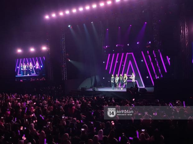 ĐỘC QUYỀN: Lisa ôm đầu sốc khi xem fan nhảy cover quá chất tại fanmeeting đầu tiên của BLACKPINK trong năm 2020 - Ảnh 18.
