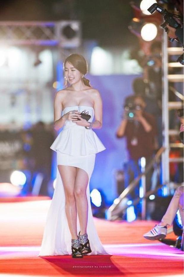 Nữ phụ quốc dân Yoo In Na: Nhan sắc nở muộn ở tuổi U40, cao 1m65 mà body nuột đến mức không cần photoshop - Ảnh 16.
