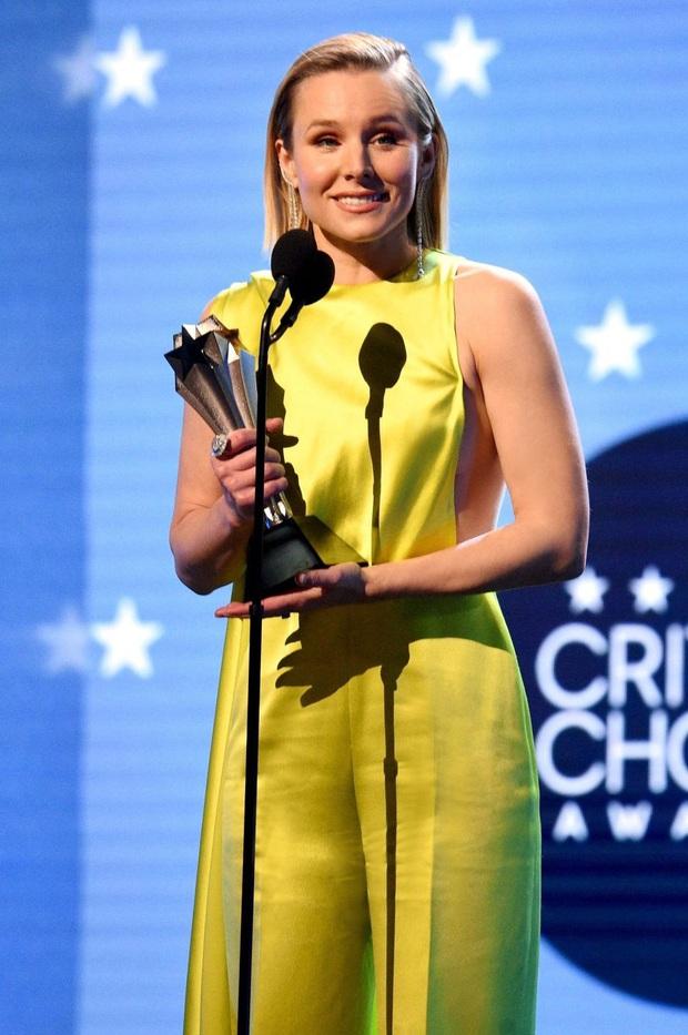 Ngôi sao Hollywood chọn đầm Công Trí đụng với Lan Ngọc, đoạt luôn giải thưởng điện ảnh danh giá - Ảnh 3.