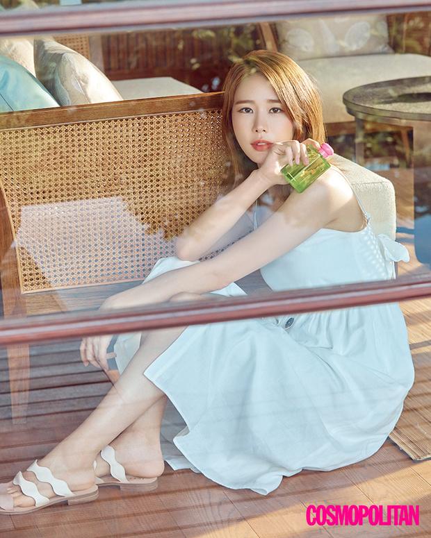 Nữ phụ quốc dân Yoo In Na: Nhan sắc nở muộn ở tuổi U40, cao 1m65 mà body nuột đến mức không cần photoshop - Ảnh 4.