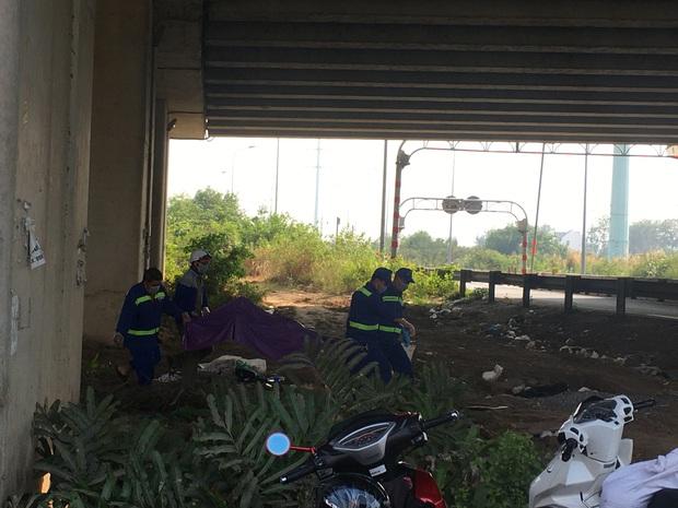 Phát hiện thi thể người phụ nữ loã thể dưới gầm cầu cao tốc ở Sài Gòn - Ảnh 2.