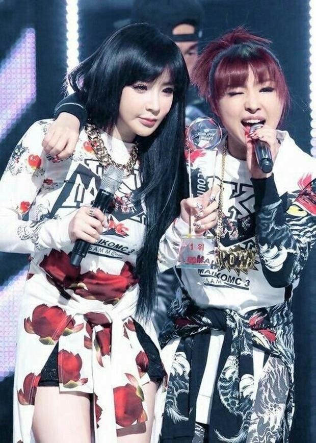 Những nhóm nhạc Kpop khoảnh cách tuổi nhiều đến khó tin: Irene - Yeri cách nhau 8 tuổi vẫn chưa sốc bằng 2NE1 - Ảnh 15.