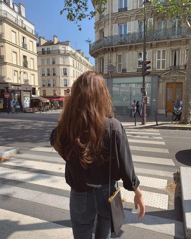 Tôi đã làm hại mái tóc mình chỉ vì một thói quen tưởng như vô hại - Ảnh 1.