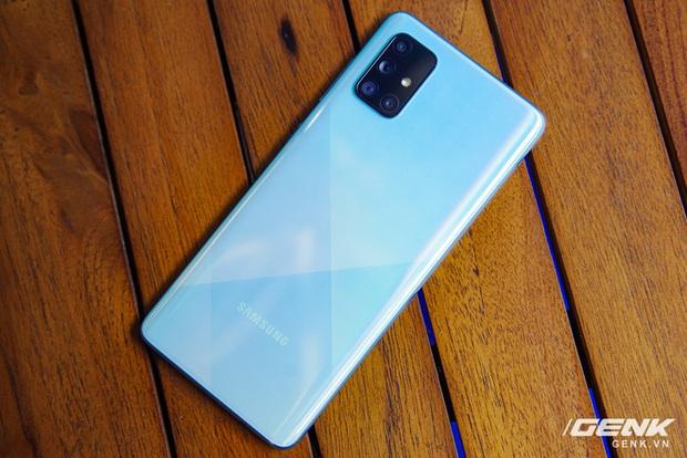 Samsung chính thức ra mắt Galaxy A71: 4 camera lên tới 64MP, pin 4500mAh, sạc nhanh 25W giá 10,49 triệu  - Ảnh 1.