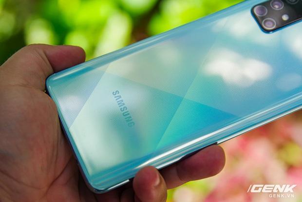 Samsung chính thức ra mắt Galaxy A71: 4 camera lên tới 64MP, pin 4500mAh, sạc nhanh 25W giá 10,49 triệu  - Ảnh 2.