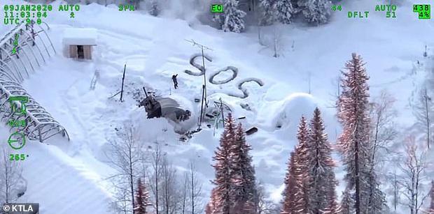 Nhà cháy tan tành, người đàn ông vẫn sống sót ngoạn mục sau 3 tuần mắc kẹt trong vùng tuyết -40 độ C - Ảnh 4.