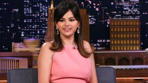 Hình ảnh chênh lệch 1 thập kỷ gây choáng của Selena Gomez: Chị đẹp đúng là yêu tinh hack tuổi chuyển thế! - Ảnh 5.