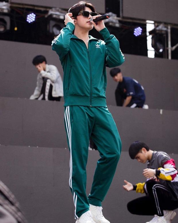 Street style sao Việt: Anh em Ông Cao Thắng lên đồ đơn giản vẫn khí chất, Denis Đặng diện quần què theo cách rất cool - Ảnh 5.