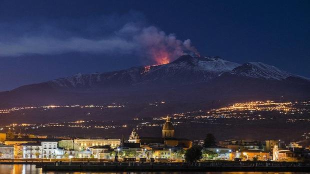 Chuyện gì sẽ xảy ra khi siêu núi lửa lớn nhất châu Mỹ bùng nổ ngay lúc này? Câu trả lời gói gọn trong 4 từ: thảm họa toàn cầu - Ảnh 4.