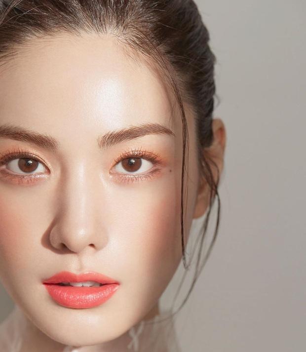 Ảnh tạp chí gây bão của idol Kpop đầu tiên thành người phụ nữ đẹp nhất thập kỷ: Kéo đến ảnh cận mà choáng vì visual! - Ảnh 7.
