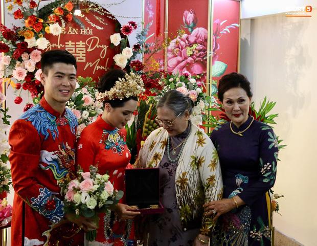 Trước khi về nhà Duy Mạnh, Quỳnh Anh được bà ngoại tặng 10 cây vàng - Ảnh 1.