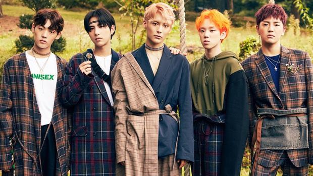 """10 nhóm nhạc """"con ghẻ quốc dân, con cưng quốc tế"""": """"Gà"""" SM và JYP ngậm ngùi góp mặt, girlgroup lập kỉ lục ngang BTS lại bi đát ở Hàn - Ảnh 10."""