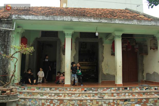 """Tết ở gia đình đông con như """"trại trẻ"""" tại Hà Nội: """"Con muốn năm mới được sửa cái xích xe đạp để đi học, các chị thì ước có quần áo mới"""" - Ảnh 1."""