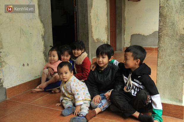 """Tết ở gia đình đông con như """"trại trẻ"""" tại Hà Nội: """"Con muốn năm mới được sửa cái xích xe đạp để đi học, các chị thì ước có quần áo mới"""" - Ảnh 3."""