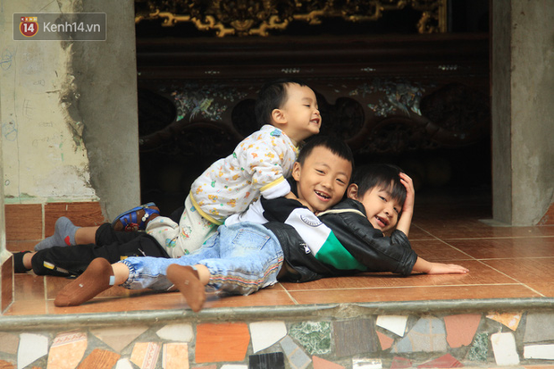 """Tết ở gia đình đông con như """"trại trẻ"""" tại Hà Nội: """"Con muốn năm mới được sửa cái xích xe đạp để đi học, các chị thì ước có quần áo mới"""" - Ảnh 7."""