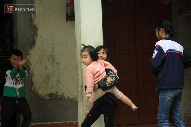"""Tết ở gia đình đông con như """"trại trẻ"""" tại Hà Nội: """"Con muốn năm mới được sửa cái xích xe đạp để đi học, các chị thì ước có quần áo mới"""" - Ảnh 5."""