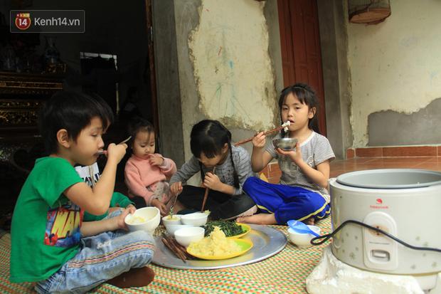 """Tết ở gia đình đông con như """"trại trẻ"""" tại Hà Nội: """"Con muốn năm mới được sửa cái xích xe đạp để đi học, các chị thì ước có quần áo mới"""" - Ảnh 9."""