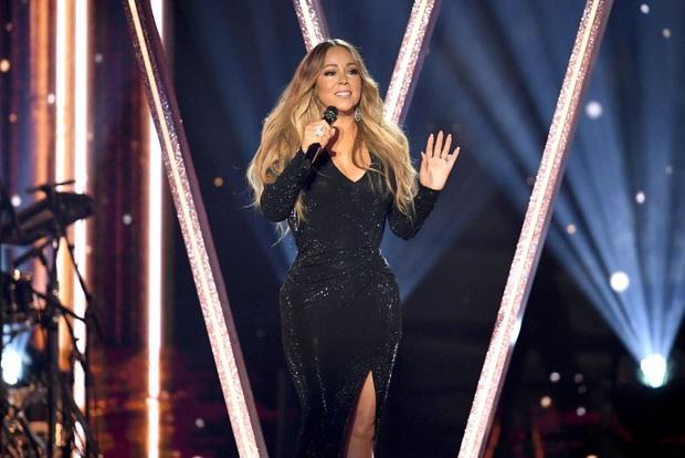 Phản ứng của các sao US-UK khi quên lời bài hát trên sân khấu: Từ Taylor Swift, Ariana Grande, Justin Bieber đến Adele đều khiến fan hâm mộ bất ngờ - Ảnh 14.