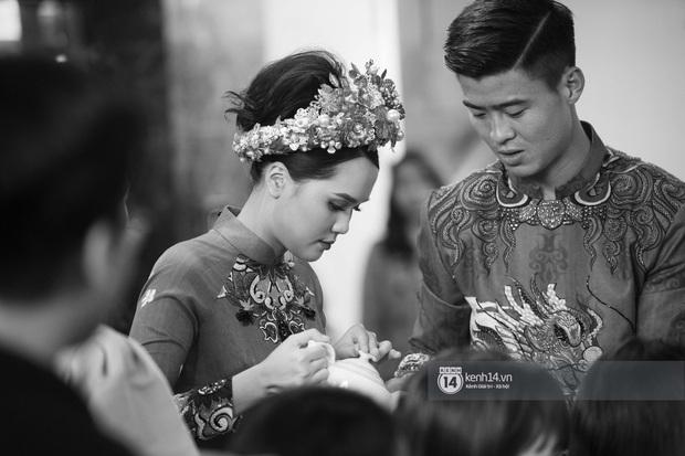 Khoảnh khắc đẹp trong đám hỏi Quỳnh Anh - Duy Mạnh: Chú rể toe toét cười từ đầu đến cuối, hẳn là vì rước được công chúa béo về dinh - Ảnh 9.