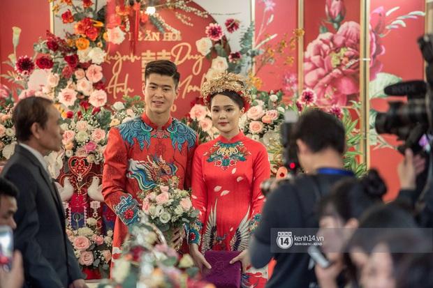 Khoảnh khắc đẹp trong đám hỏi Quỳnh Anh - Duy Mạnh: Chú rể toe toét cười từ đầu đến cuối, hẳn là vì rước được công chúa béo về dinh - Ảnh 10.