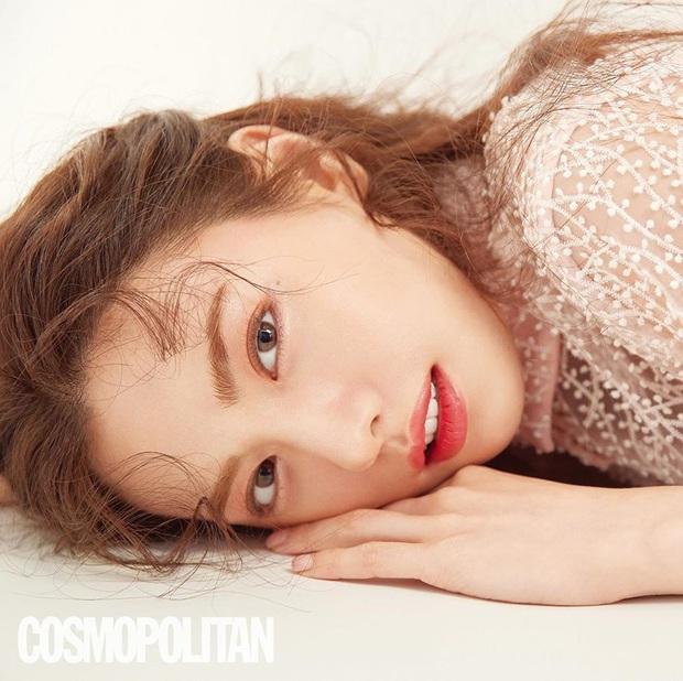 Ảnh tạp chí gây bão của idol Kpop đầu tiên thành người phụ nữ đẹp nhất thập kỷ: Kéo đến ảnh cận mà choáng vì visual! - Ảnh 5.