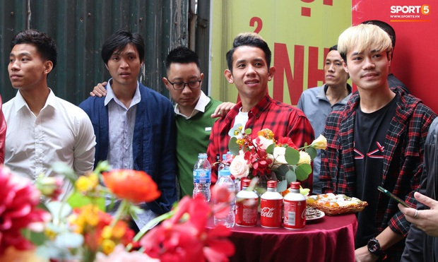 Đi ăn hỏi Duy Mạnh mà không có tấm hình chụp chung, Tuấn Anh cảm thán: Chú rể đi nhanh quá - Ảnh 1.