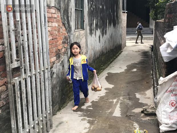 """Tết ở gia đình đông con như """"trại trẻ"""" tại Hà Nội: """"Con muốn năm mới được sửa cái xích xe đạp để đi học, các chị thì ước có quần áo mới"""" - Ảnh 6."""