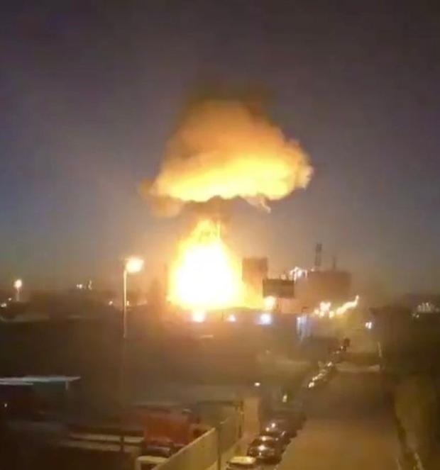 Nổ nhà máy hóa chất ở Tây Ban Nha, ít nhất 1 người thiệt mạng - Ảnh 2.